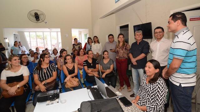 Secretário Carlos Lula durante encontro realizado na cidade de Caxias. (Foto: Francisco Campos/SES)