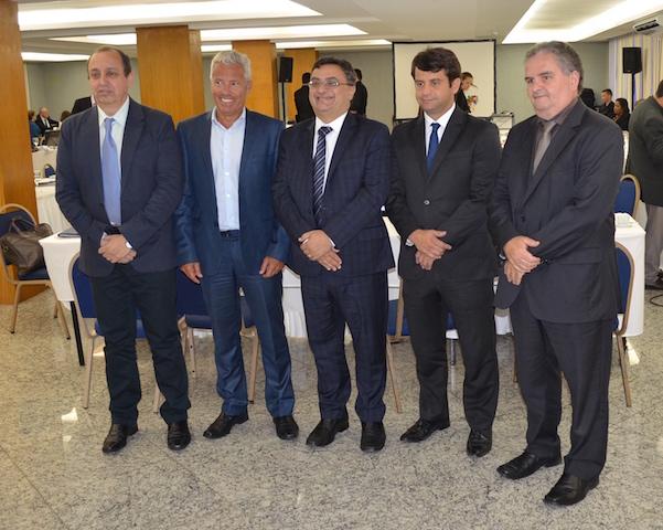 Da esquerda para a direita: Vitor Manuel (SES/PA), João Gabbardo (SES/RS), Michele Caputo Neto (SES/PR), Luiz Antônio (SES/RJ) e Iran Costa Júnior (SES/PE)
