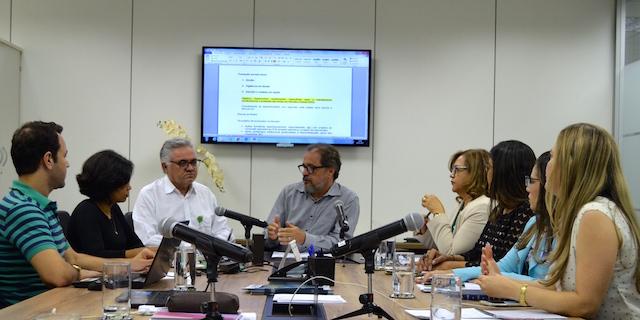 Grupo de trabalho elabora propostas para fortalecimento das Escolas Estaduais de Saúde Pública