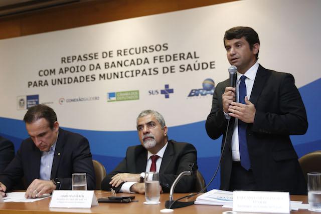 SES anuncia repasse de recursos para Hospital da Posse e UPAs municipais