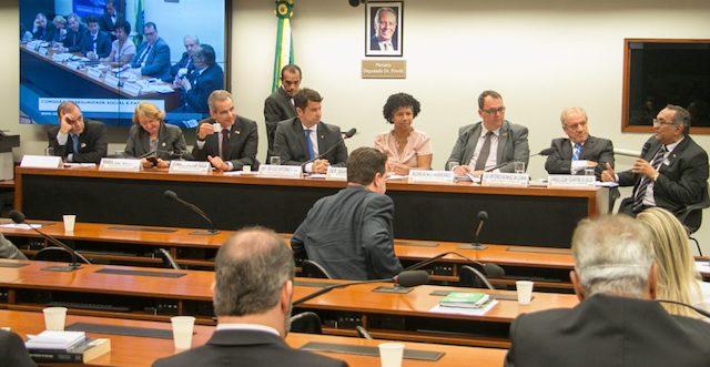 Modernização da tabela SUS é discutida na Câmara dos Deputados