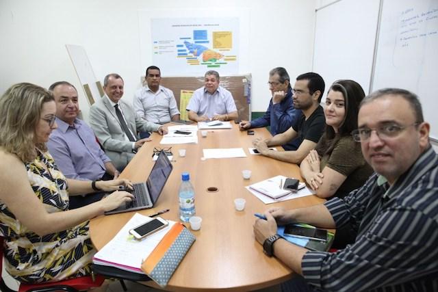 Saúde e conselho de secretários se reúnem para definir ações estratégicas